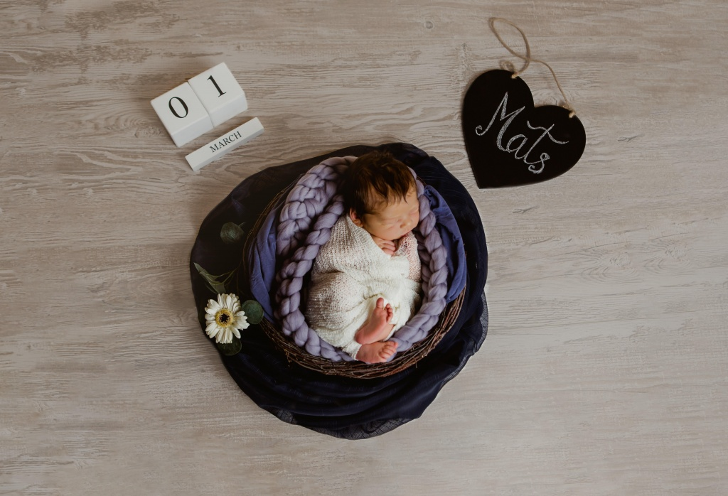 Babyfotos Eifel, Neugeborenen-Shooting Euskirchen